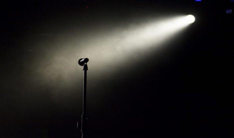 Micrófono-Cemento