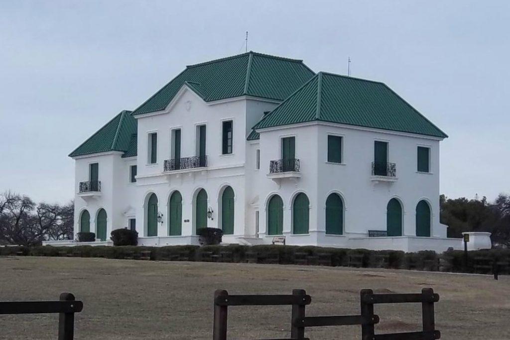 Castillo-Parque-Luro-La-Pampa
