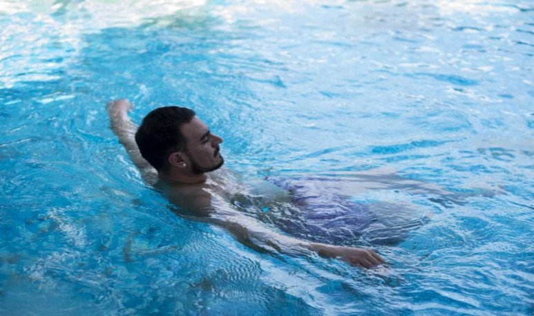 bath in swimming pool hot springs