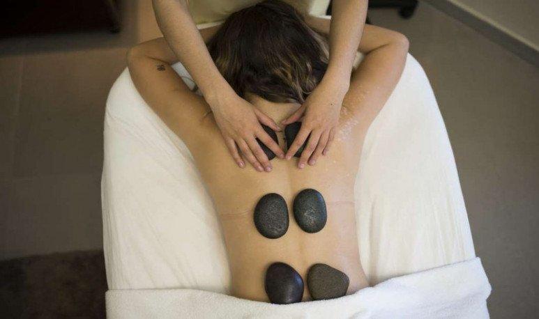 massage baths with stones