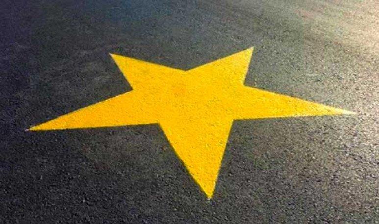 Estrellas amarillas para la conciencia vial
