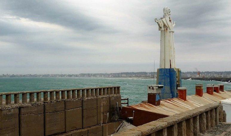 cristo de la escollera mar del plata
