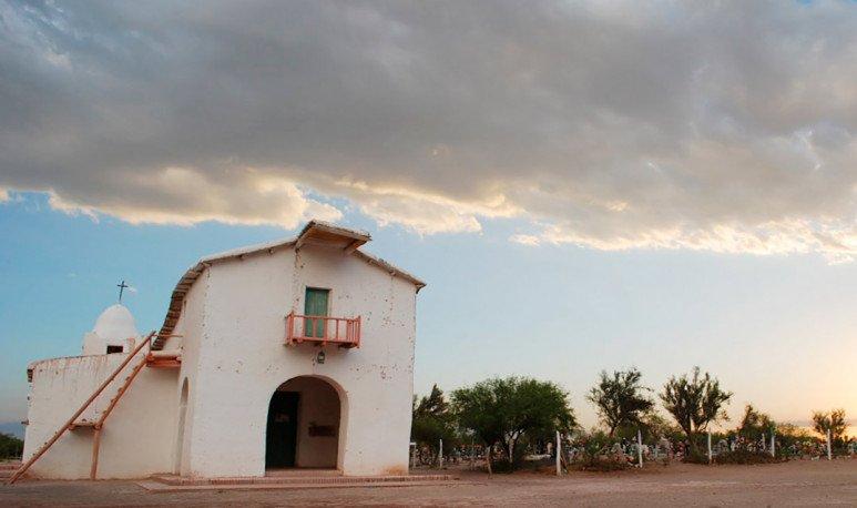 Capilla-en-Lagunas-del-Rosario