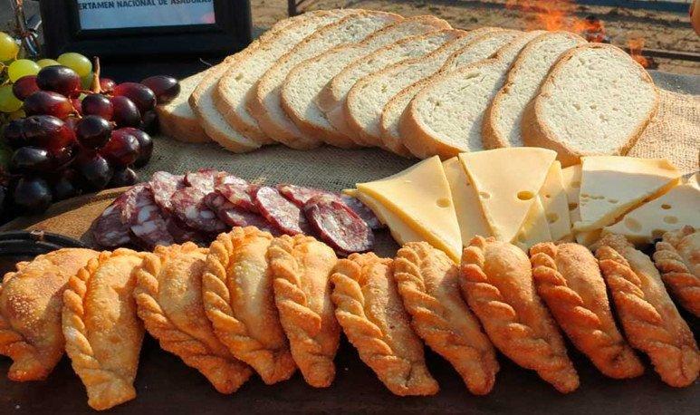 Picada y comida regionales en Marull