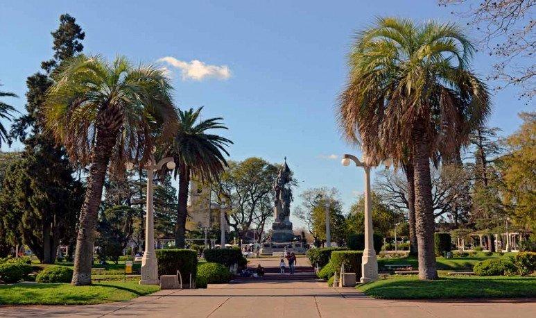 Plaza central en Esperanza Santa Fe