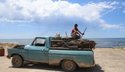 Cristian Firmapaz y su camioneta todoterreno