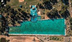 Si te gustan los complejos de verano con piscinas enormes,tenésque conocer la deTeodelina, en Santa Fe.