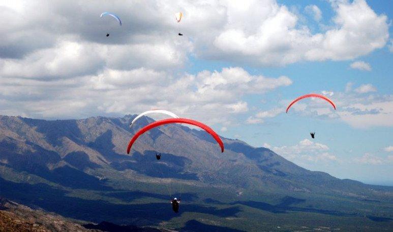 Disfrutá Córdoba con los pies sobre la tierra o volando por las nubes